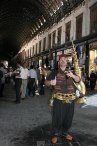 بائع عرقسوس في سوق الحميدية بدمشق